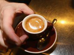 Pijesz kawę? A wiesz kiedy działa najlepiej?