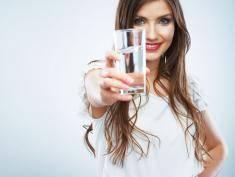 Wiesz, co pijesz? Chemia, bakterie i leki są w wodzie!