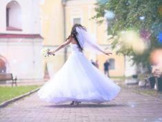 Suknia ślubna – uszyta z marzeń i snów