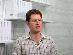 Michael Mandiberg, człowiek, który wydrukował Wikipedię