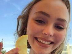 16-letnia córka Deppa woli dziewczyny?