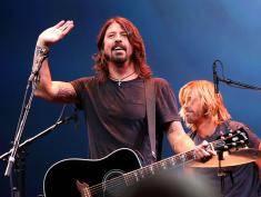 Siłą sprowadzą Foo Fighters do małej mieściny!