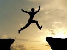 Ekstremalne skoki z wysokości. Zobacz, z pewnością poczujesz ciary!