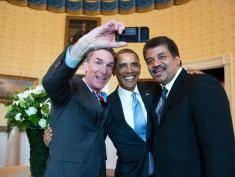 Ludzkość ogarnięta manią selfie!