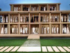 Karl Lagerfeld zachwycił świat. Chanel promuje trend na granny chic