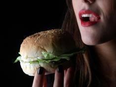 Od tych posiłków najłatwiej się uzależnić