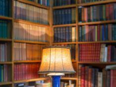 Zaśnij z książką w nocnej księgarni