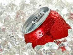 Sprawdź, co dzieje się z twoim organizmem po wypiciu puszki Coca-Coli!