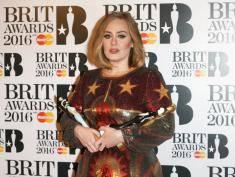 Z kim zaręczyła się Adele?