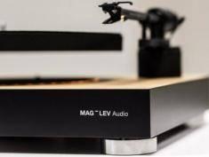 Lubisz analogowe brzmienie? Spraw sobie lewitujący gramofon!