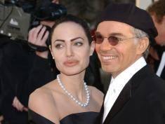 Angelina Jolie pociesza się w ramionach byłego męża?