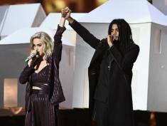 Pośmiertna honory dla zmarłych artystów i modowe wpadki. Oto Brit Awards 2017