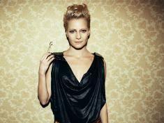 Kożuchowska ogłosiła casting na projektanta sukni. Wystąpi w niej przed Kate i Williamem