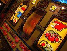 Sloty owocowe – jeden z najlepszych rodzajów gier kasynowych w 2020 roku