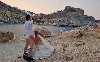 Grecki kościół rezygnuje z udzielenia ślubów... przez brytyjską parę uprawiającą seks przed klasztorem!