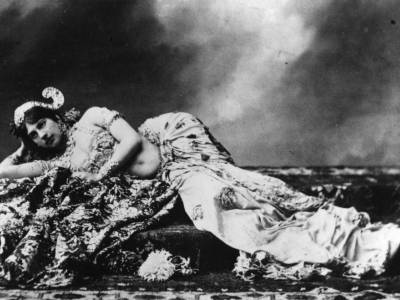 Mata Hari. Tancerka erotyczna, prostytutka i największy szpieg XX wieku w jednym