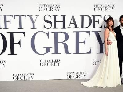 """Dakota Johnson myśli, że jest wielką gwiazdą. Współpracownicy nie wytrzymują z nią na planie """"Greya"""""""