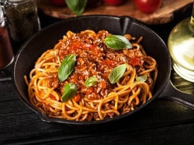 Przepis na domowe spaghetti Bolognese