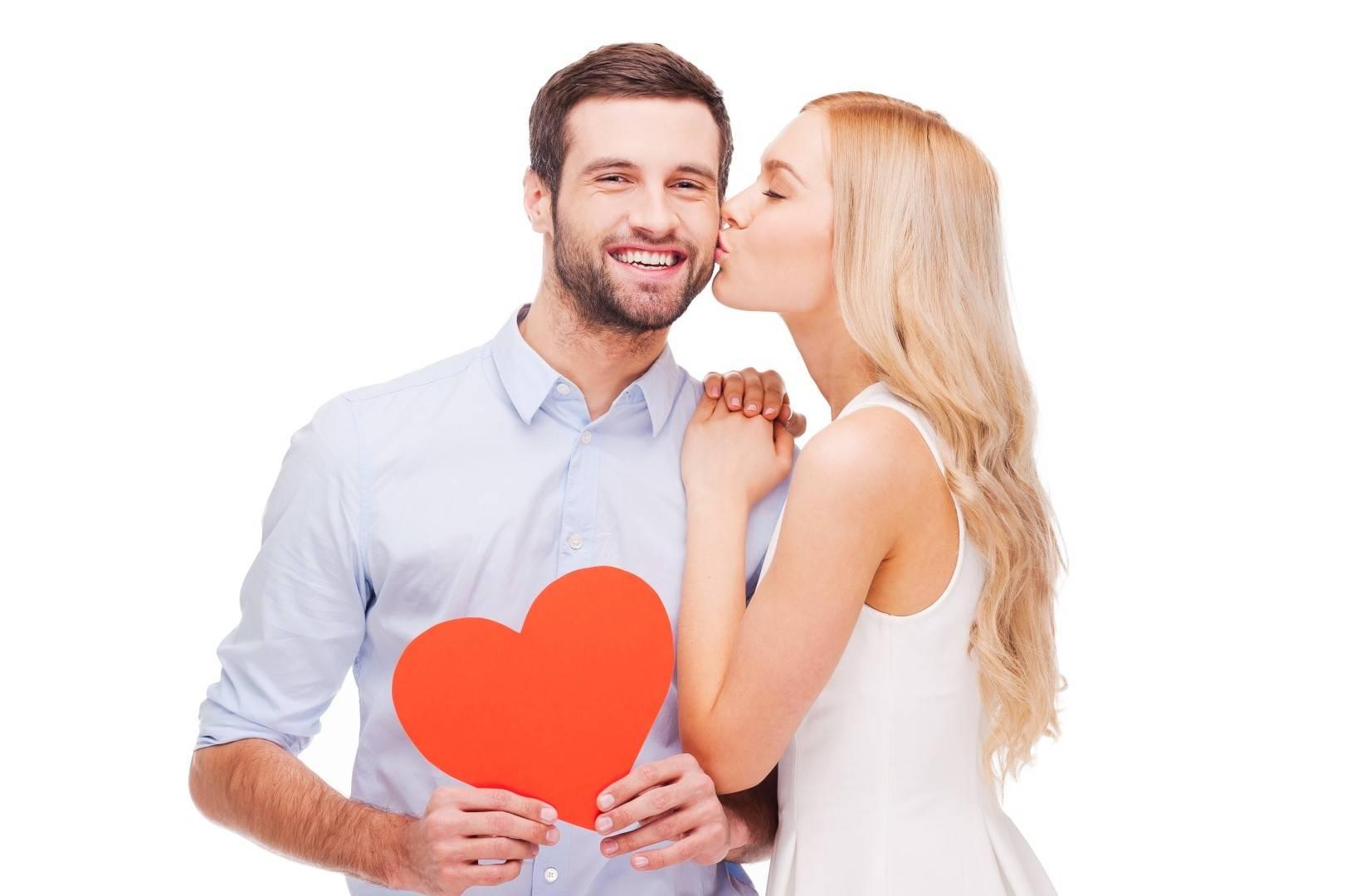spotyka się z mężczyzną, który właśnie wyszedł z długotrwałego związku