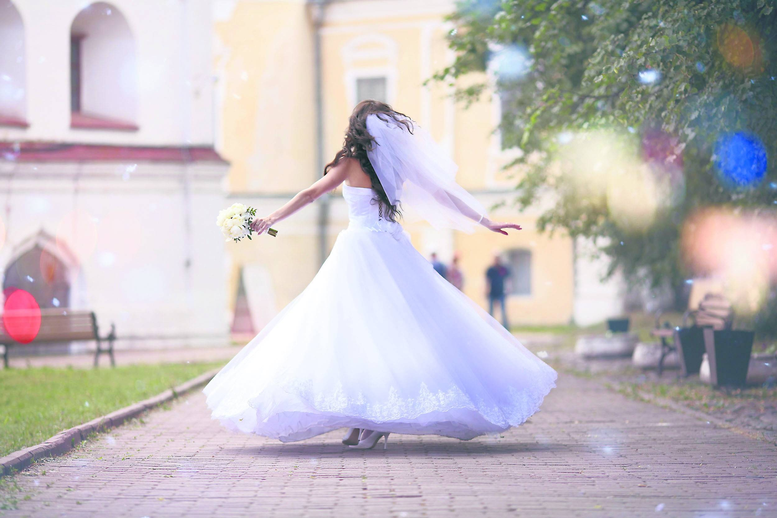5da79c0bf7 Suknia ślubna – uszyta z marzeń i snów
