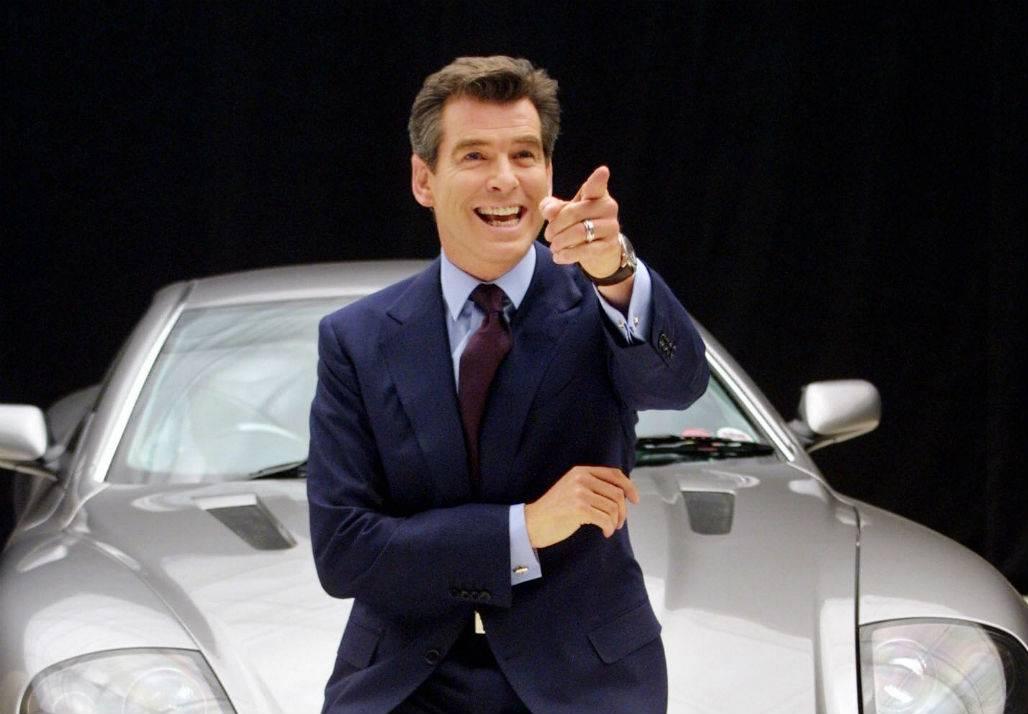 Brosnan proponuje: niech Bond będzie gejem!