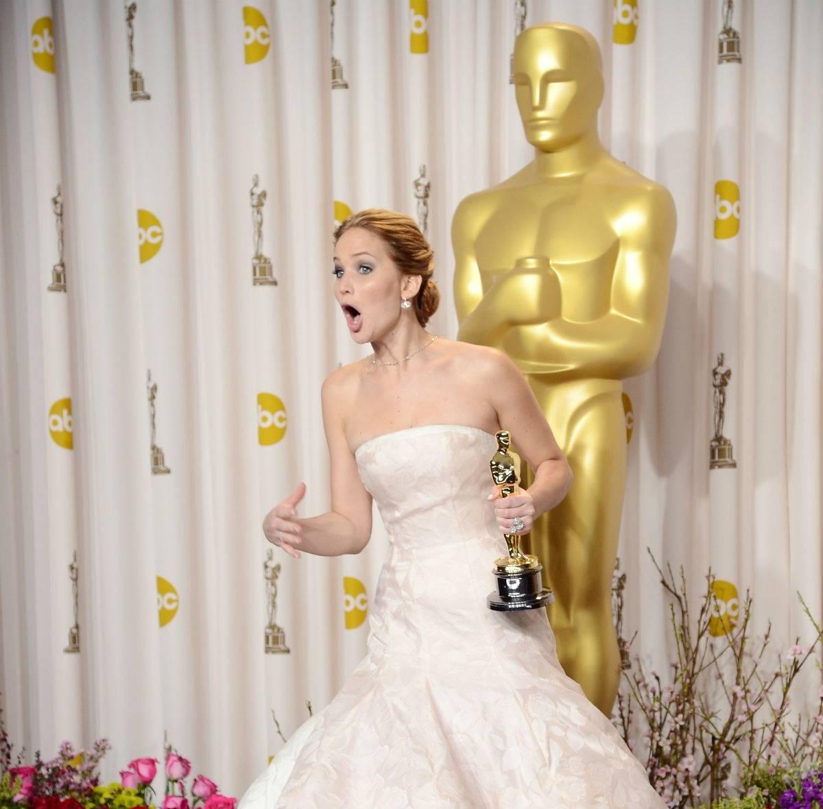 Jennifer Lawrence - mistrzyni wpadek prosto z  Hollywood