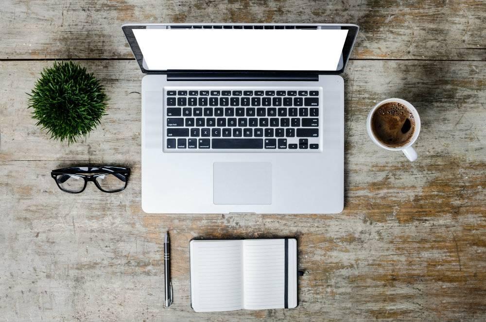 Jak zorganizować swoje miejsce pracy w domu