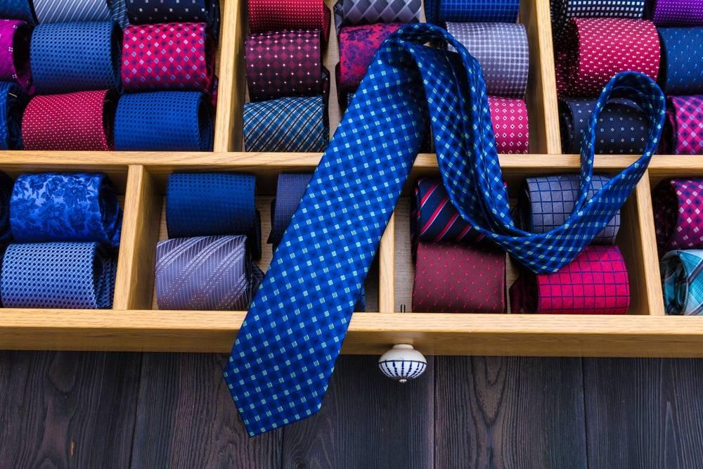 Dlaczego krawat, to krawat? O pochodzeniu męskich dodatków