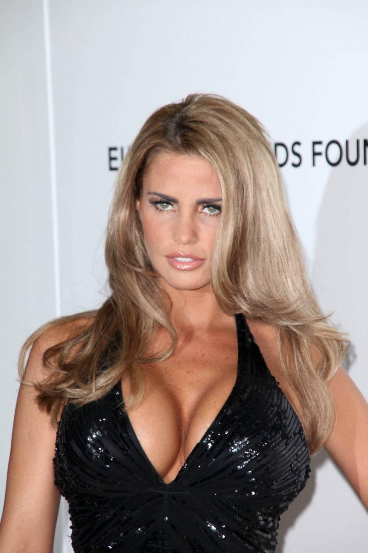 Katie Price: była modelką topless, dziś jest mamą czwórki dzieci