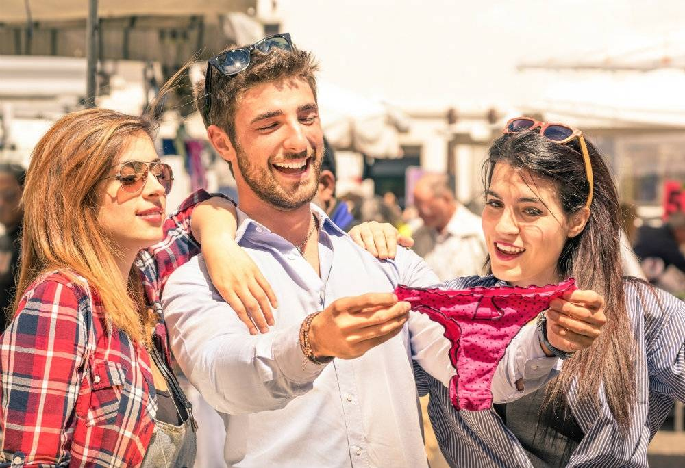 Czy kobiety przestaną nosić majtki? C-stringi niedługo mogą je zastąpić!