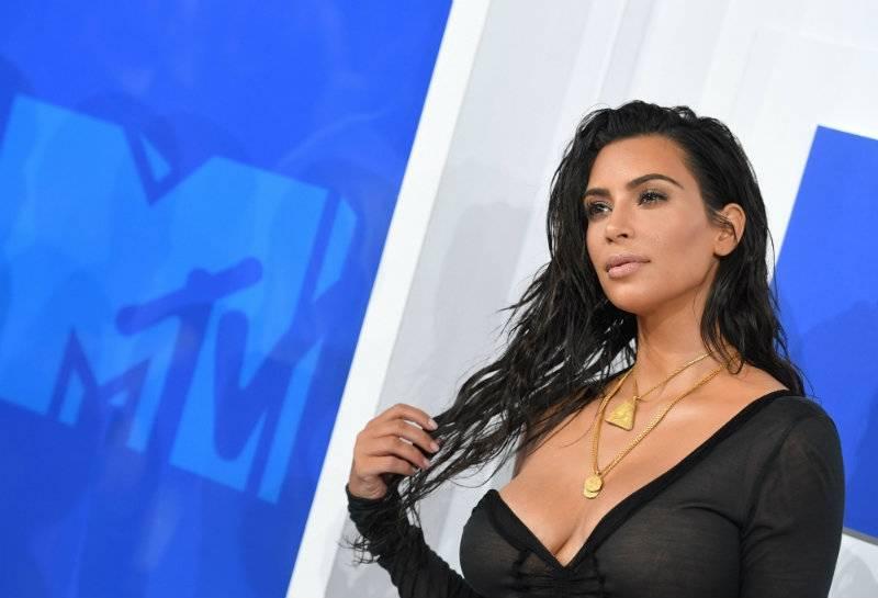 Nieznani sprawcy okradli Kim Kardashian z biżuterii wartej miliony!