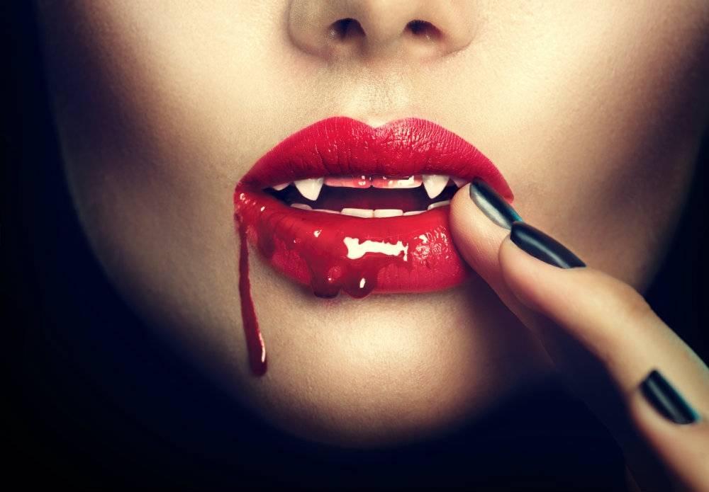 Zrób sobie przerażające paznokcie na Halloween
