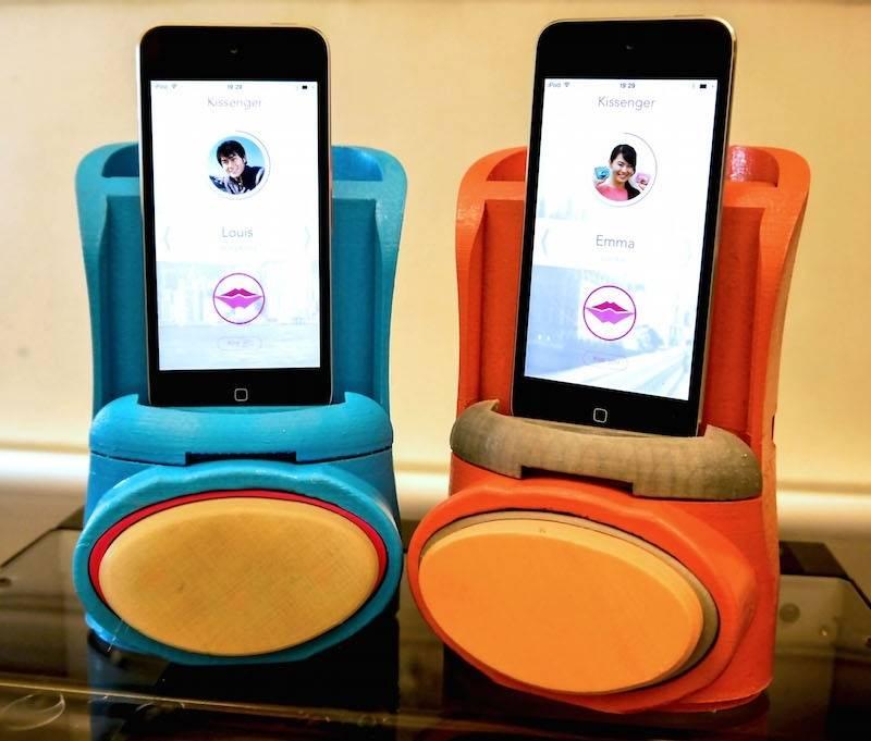 Całuj online! Urządzenie Kissenger sprawi, że poczujesz pocałunki ukochanej/ukochanego przez Internet