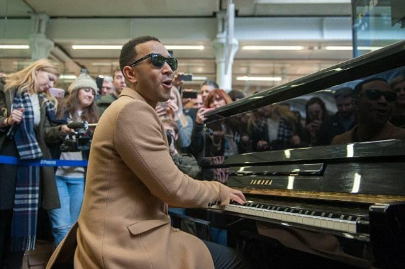John Legend zagrał na londyńskiej stacji metra! [wideo]