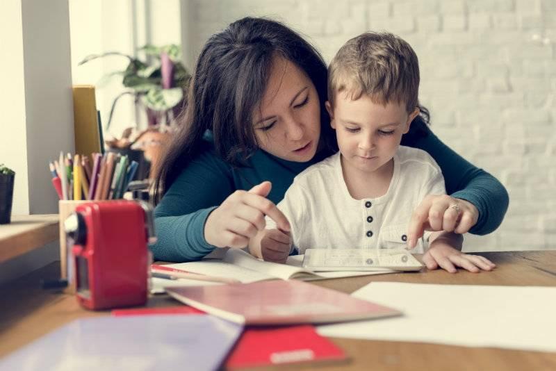 Edukacja domowa w UK: rozmowa z matką, która uczy swoje dzieci w domu