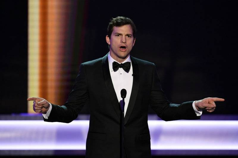 """Ashton Kutcher szczerze o swoim bracie bliźniaku: """"Mój brat urodził się z porażeniem mózgowym"""""""