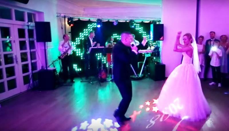 Brytyjczyk zaśpiewał na swoim weselu znany przebój po polsku! [wideo]