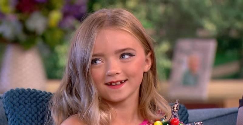 Samoopalacz, pełny makijaż i wyzywające ciuszki. Oto strój... 7-letniej dziewczynki w brytyjskiej telewizji!