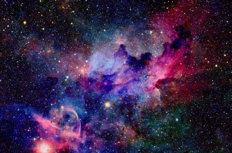 Udało się rozwiązać tajemnicę pochodzenia najbardziej tajemniczych kosmicznych sygnałów!