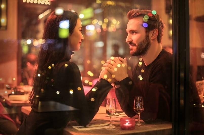 10 romantycznych pomysłów na pierwszą randkę