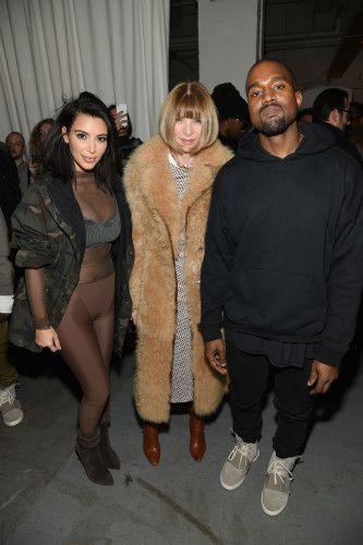 Kim Kardashian uprawia seks lesbijski